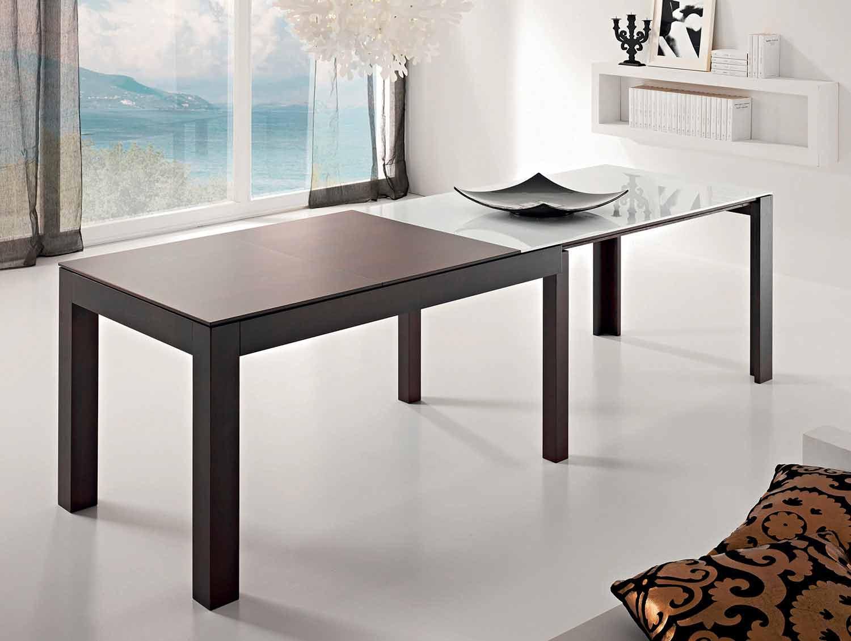 Utdragbart glasbord upp till 10 platser Tillverkad i Italien