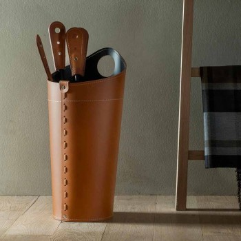 Eldstadstillbehör med Nilar läderhållare, modern design