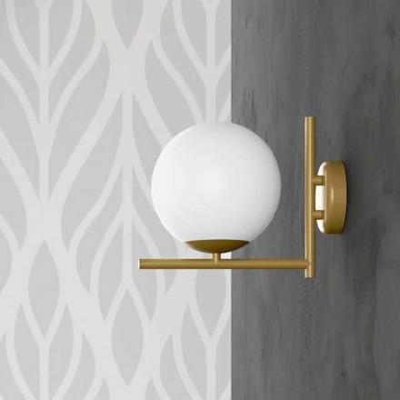 Modern vägglampa i metall mässingsfinish och opalglas tillverkad i Italien - Carima