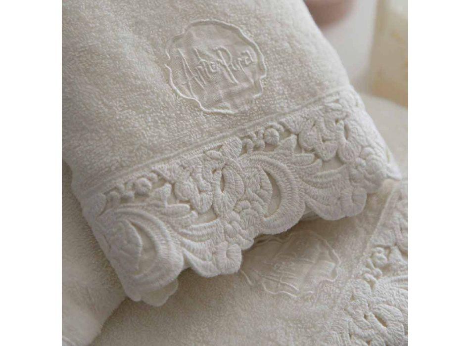 Ansikts- och gästhanddukar och badhandduk i bomullsfrotté och armoniakspets - Frollo