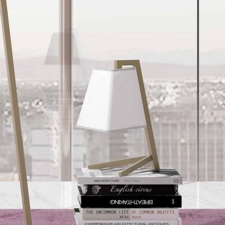 Bordslampa med struktur i metall och tyg tillverkad i Italien - Barton