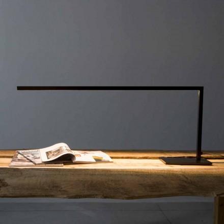 Design bordslampa i matt svart målat järn tillverkat i Italien - Linea