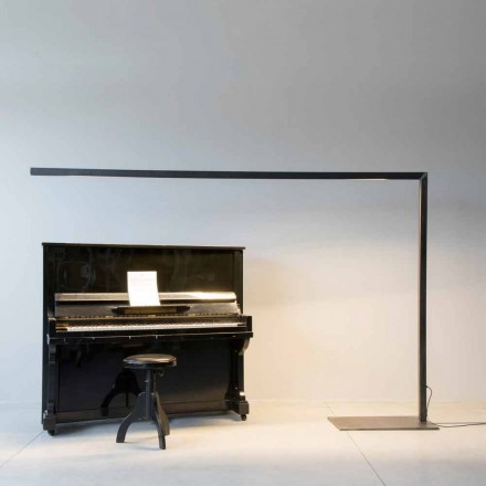 Design golvlampa i svart järn med LED-stång tillverkad i Italien - Barra