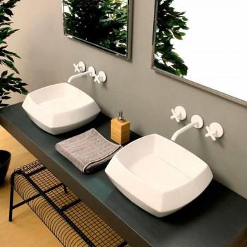 Bänkskivan i vit keramikdesign tillverkad i Italien Simon