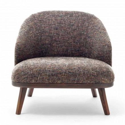 Tyg lounge stol med massivt trä bas tillverkad i Italien - Pepina