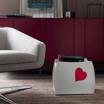 Design magasinställ i läder med modern Beatrice design