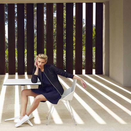 Moderna stol Faz av Vondom, tillverkad av polypropen och polykarbonat