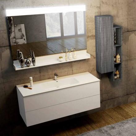 Sammansättning av moderna hängande badrumsmöbler gjorda i Italien, Bari