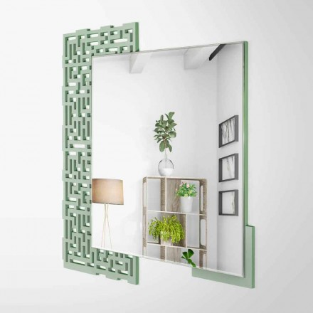 Väggspegel i modern fyrkantig design i dekorerat grönt trä - labyrint