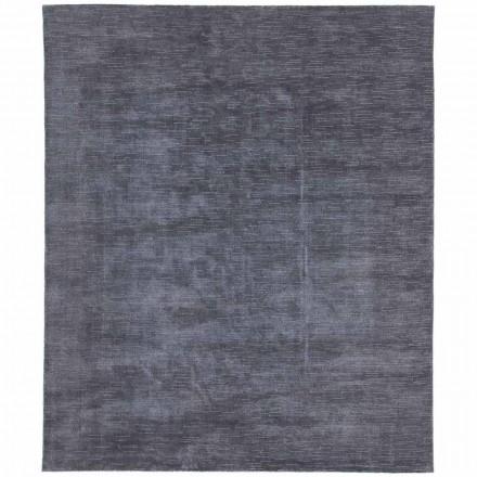 Stor och färgad matta med en randig och modern design för vardagsrum - prickle