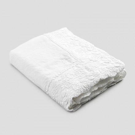 Beige linne rektangulär bordsduk med handgjorda lyxiga kronbladbroderier - Vippel