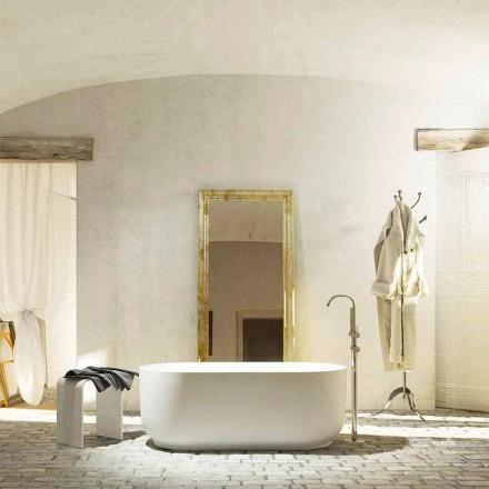 Fristående badkar i modern design produceras 100% i Zollino i Italien