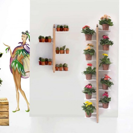 Faster Flora kruka från marken fäst på väggen